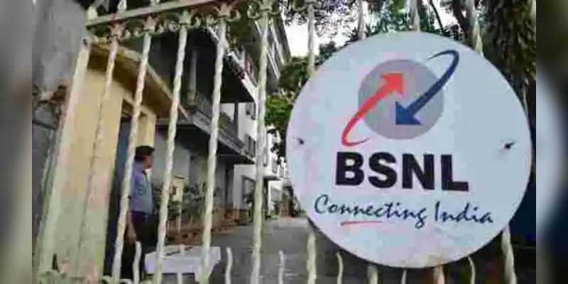 india-s-first-5g-video-call-demoed-by-ericsson-qualcomm-at-imc